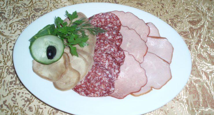 Мясное ассорти с горчицей